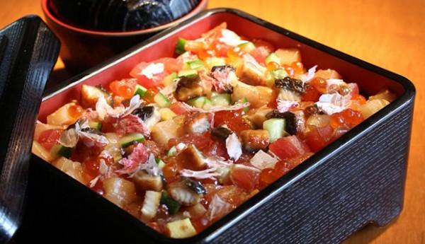 Sakura Barachirasi sushi-featured