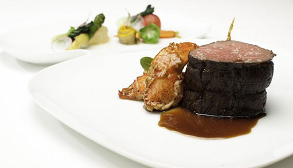 Pan-Grilled-US-Grain-Fed-Tenderloin-and-sauteed-maine-lobster-medallion-in-Asian-black-pepper-sauce