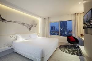 10 Centara Watergate Pavillion Hotel Bangkok - Deluxe King Room