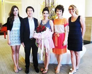 6 Pullman Pattaya Hotel G welcomes Woonsen