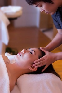 eforea-spa-Head-massage