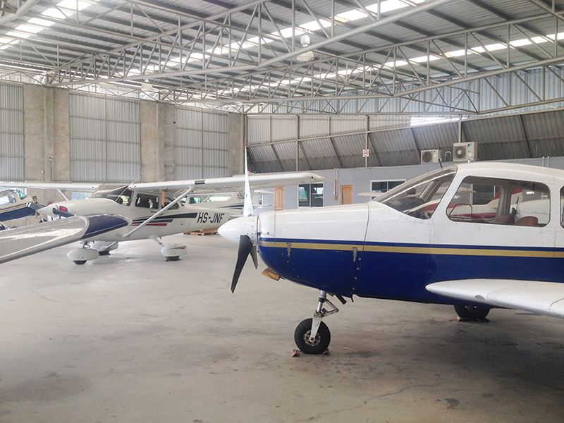 Piper and Cessna aircrafts at Ocean Air Park