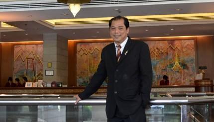 Apichet Sakultanard - Chaophaya Park Hotel Bangkok