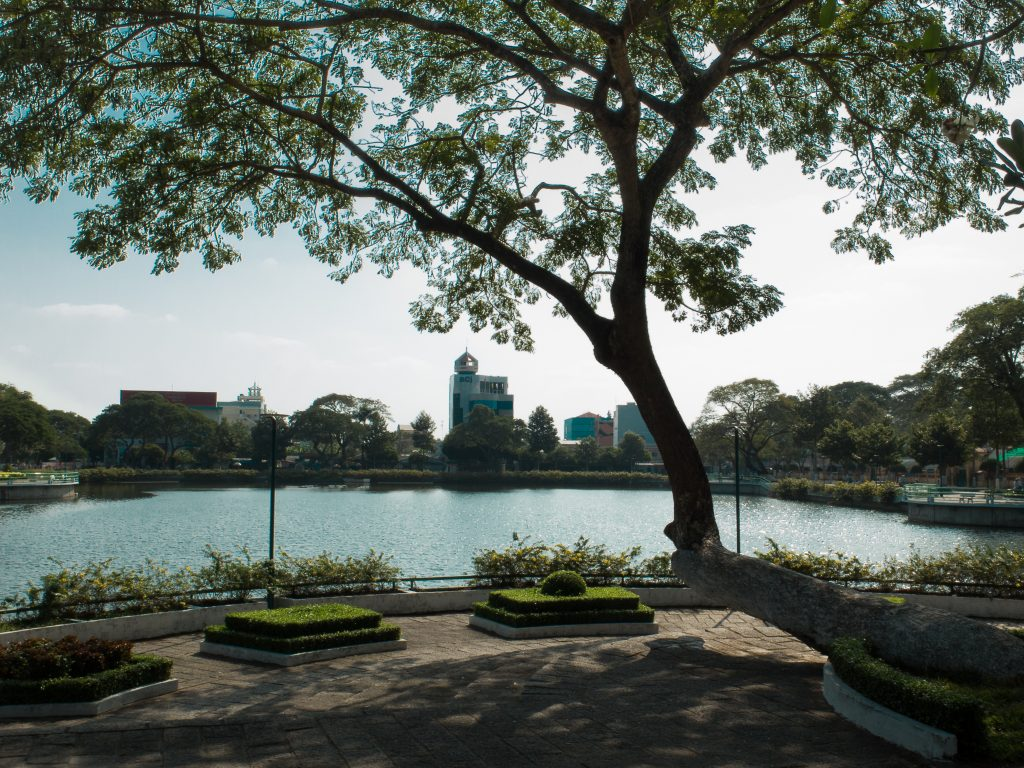 Ben Tre lake