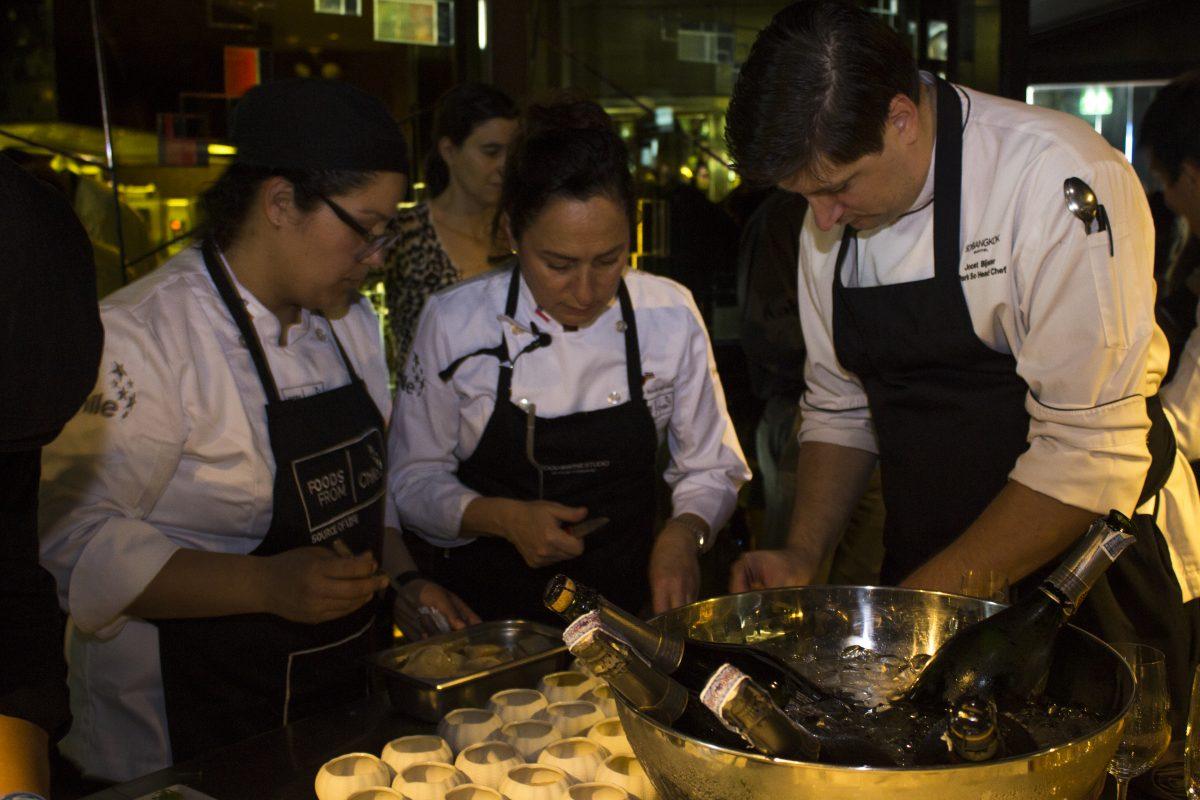 Rosa Hormazabal, Pilar Rodriguez, Joost Bjister