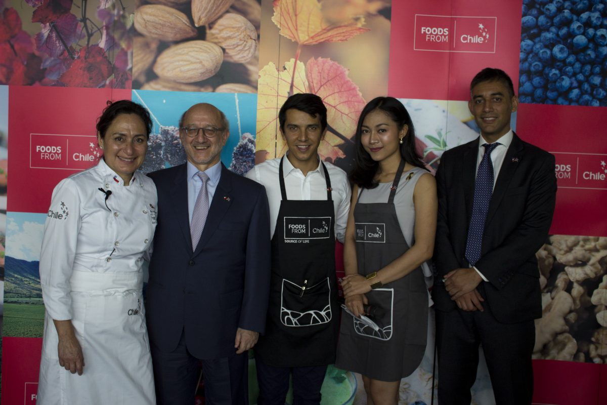Pilar Rodriguez, Christian Rehren, Marcelo Pino, Fai Rynyarat, Diego Osses